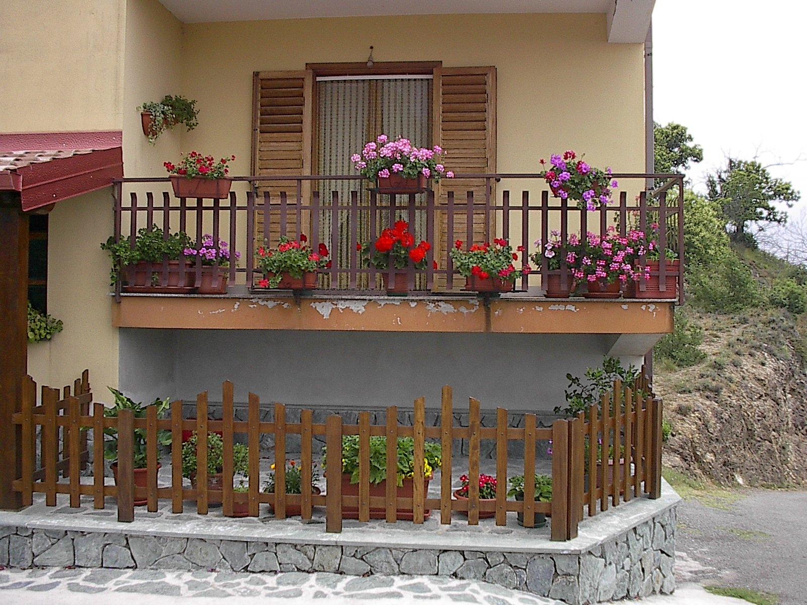 Protezione perimetrale dei balconi - Barriere antirumore per terrazzi ...